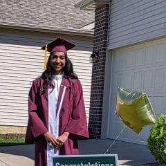 Moline Foundation Gives Out $83,000 in Scholarships