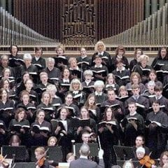 "Quad-Cities Choir Rehearses Virtually for Next ""Messiah"" in May"