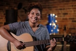 """Rock Island Teenager Brings Her Vocal Talent to """"The Voice"""""""
