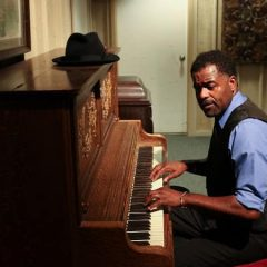 Moline's Playcrafters Presents 'The Piano Lesson' This Weekend
