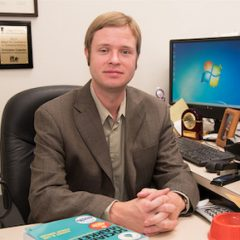 Western Illinois University Faculty Member Publishes Journal Article About Social Media Impact